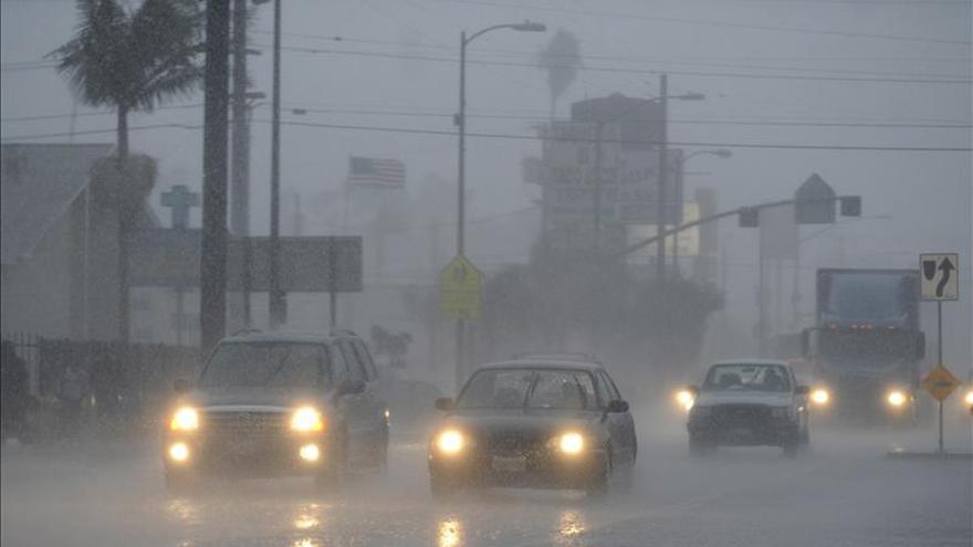 Las tormentas amenazan el centro sur de EE.UU. tras causar 3 muertos el fin semana