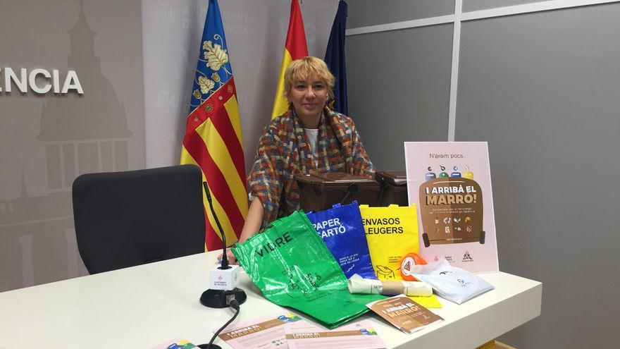 La concejala de Medio Ambiente, Pilar Soriano, presenta la campaña informativa del servicio de recogida orgánica