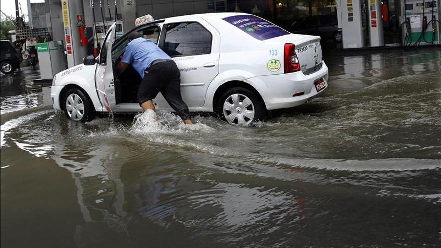 Natal, sede de Mundial, empieza a tapar gigantesco cráter abierto por lluvias