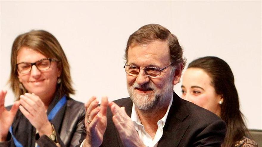 """Rajoy apela a la unidad del PP ante la fase abierta por el """"sectarismo"""" del PSOE"""