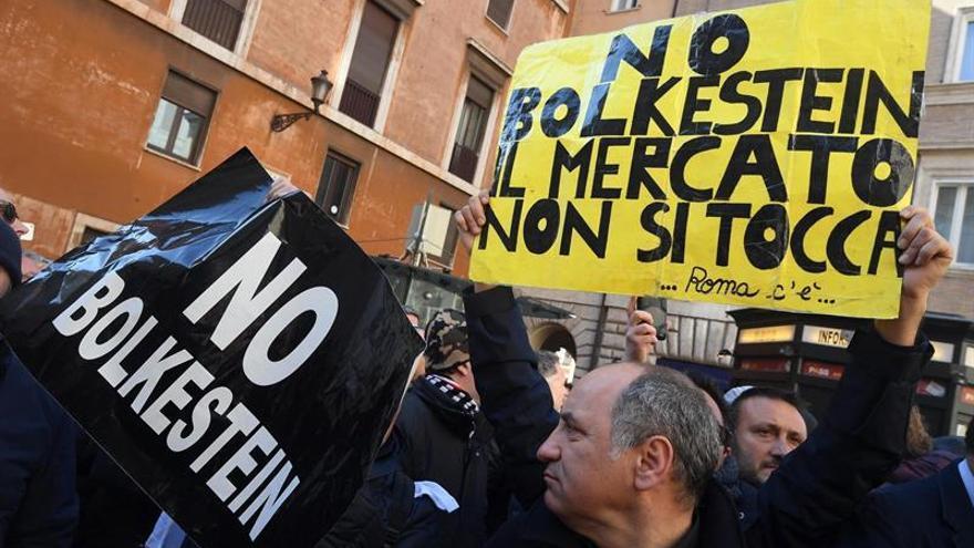 Taxistas italianos protestan ante la falta de regulación de empresas como Uber