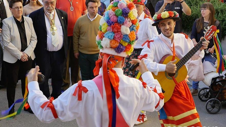 Danzantes de Fuente Tójar   MADERO CUBERO