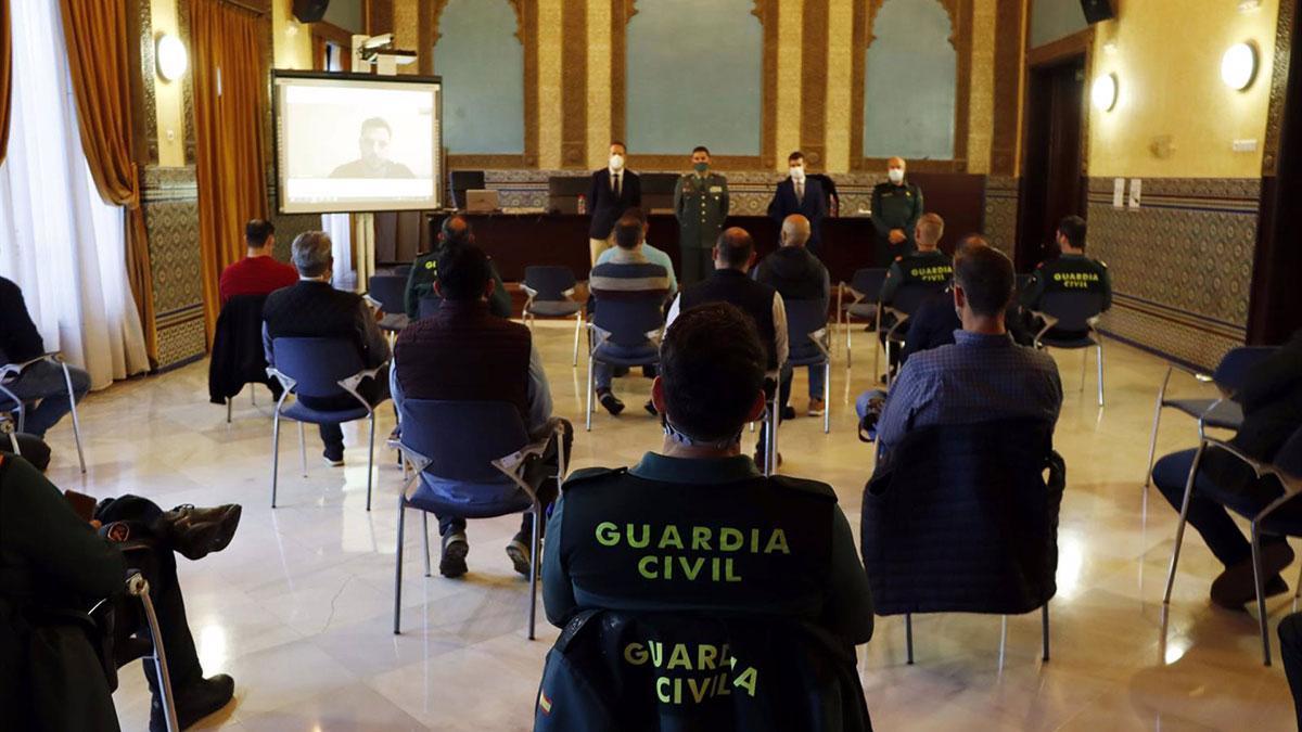 Agentes de la Guardia Civil, en jornada de formación sobre la ley de Contrabando y el comercio ilícito de tabaco.