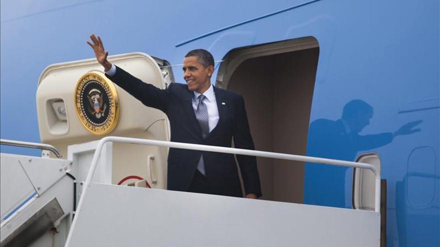 Obama visita hoy México para mejorar la relación económica y abordar la seguridad
