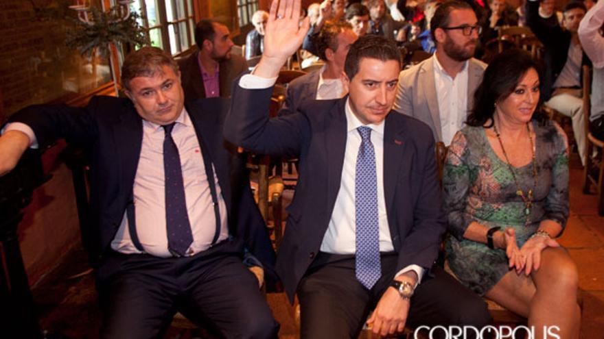 Antonio Palacios, junto al actual presidente de Hostecor, el día de las elecciones   MADERO CUBERO