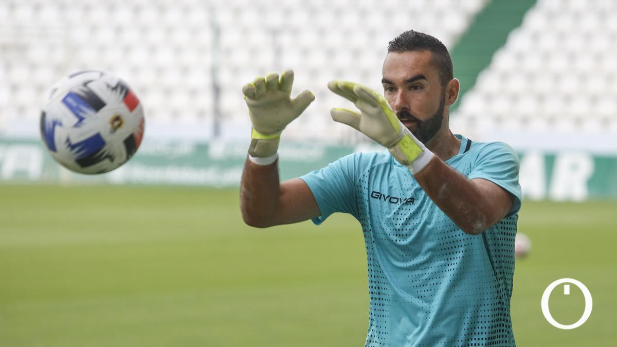 Felipe Ramos, en un entrenamiento del Córdoba