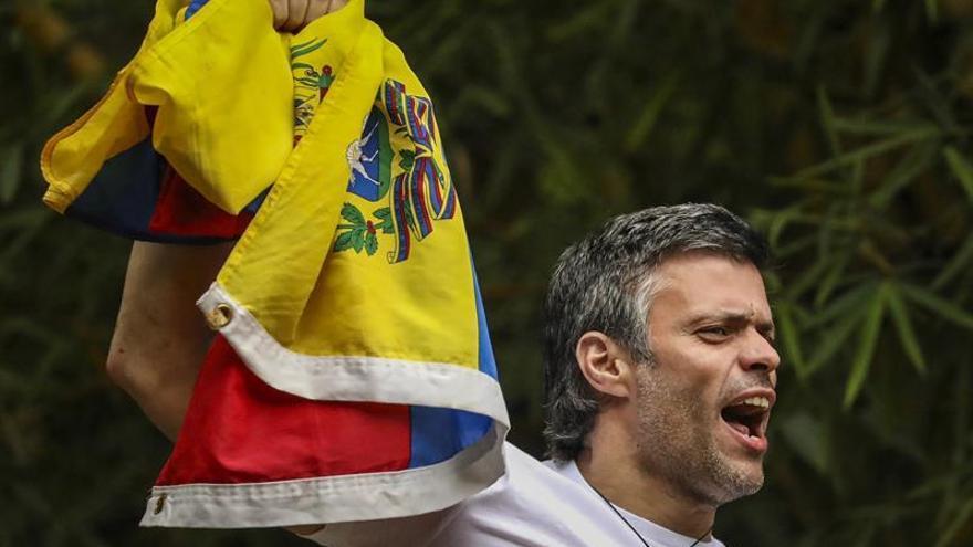 Zapatero visita a Leopoldo López en su residencia tras su salida de prisión