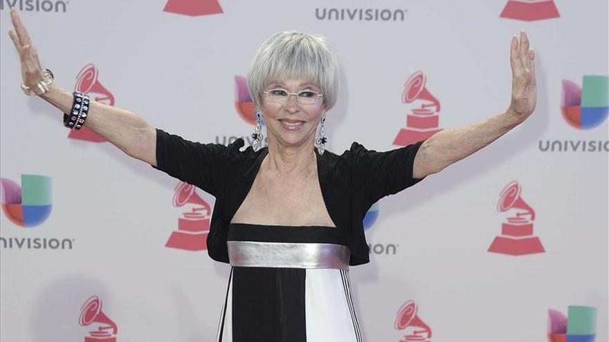 Elogios mutuos entre los artistas en la alfombra roja de los Grammy Latino