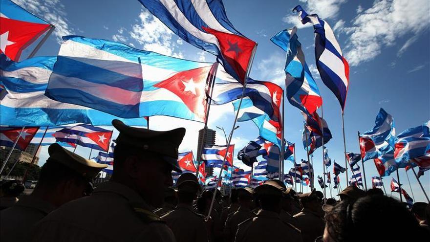 Proyecto de ley en EE.UU. para restringir las ventajas a los cubanos