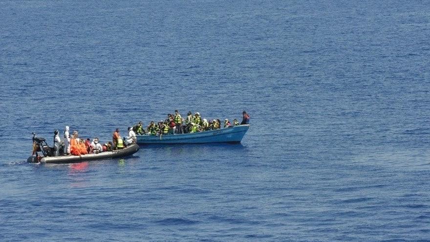 La fragata española 'Victoria' rescata a 38 migrantes frente a las costas de Libia