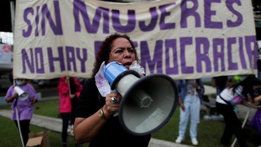 Asociaciones de mujeres de Panamá exigen incluir paridad en la reforma electoral
