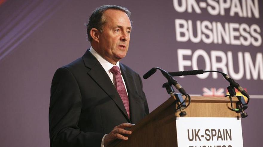 """El Reino Unido """"puede sobrevivir"""" sin acuerdo comercial con la UE, dice Fox"""