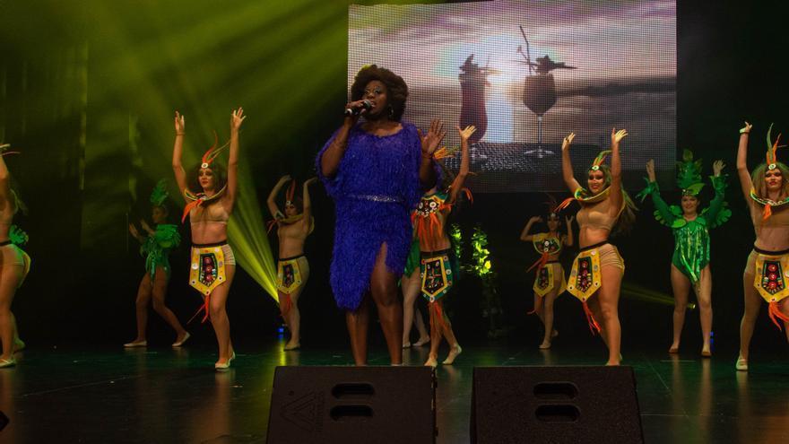 Actuación de la cantante Tina Riobo, que puso voz a la canción oficial de 2019