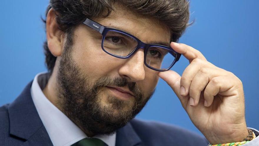 Miras dice contar con el apoyo unánime de la cúpula del PP murciano para presidirlo