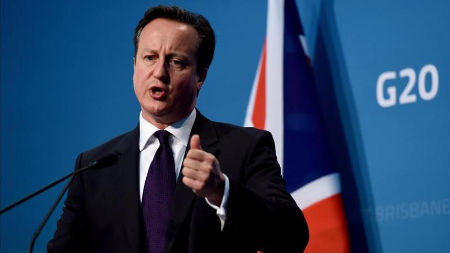 """Cameron dice que hay """"luces rojas"""" de advertencia sobre la economía global"""