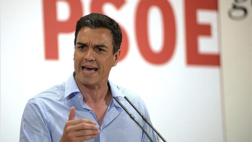 """Pedro Sánchez pide a Aznar y Rajoy """"limpiar su casa"""" para que vuelvan sus votantes"""