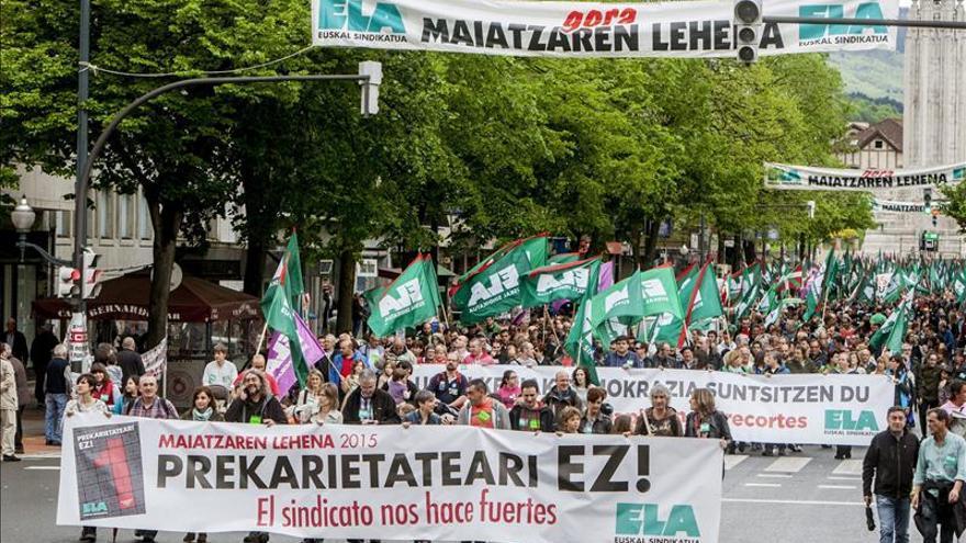 Miles de vascos se manifiestan contra la precariedad
