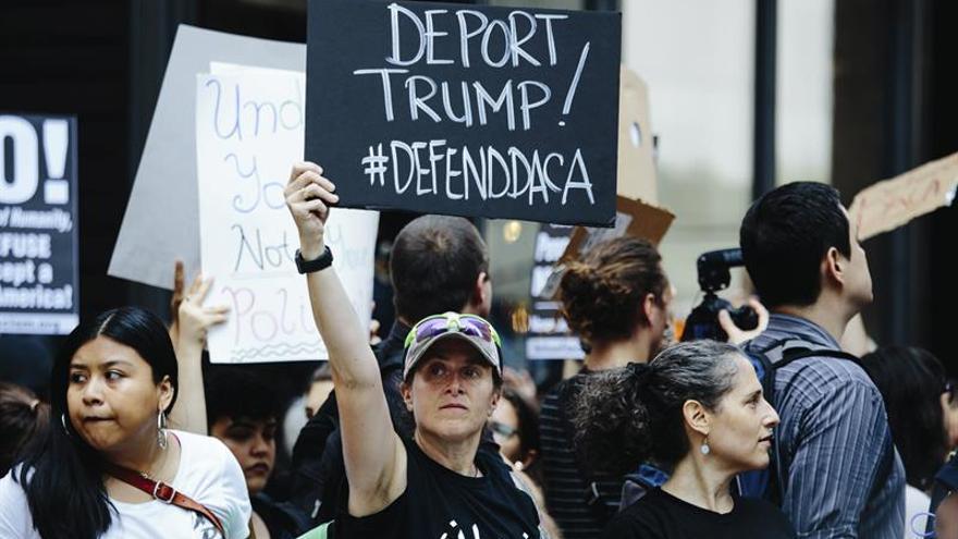 """Miles de personas se manifiestan en Nueva York en defensa de los """"soñadores"""""""