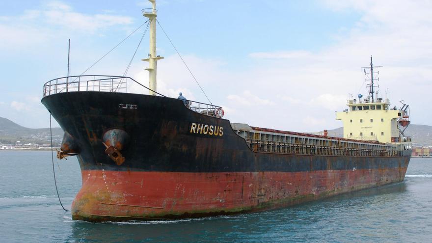Una foto sin fecha de la nave Rhosus.