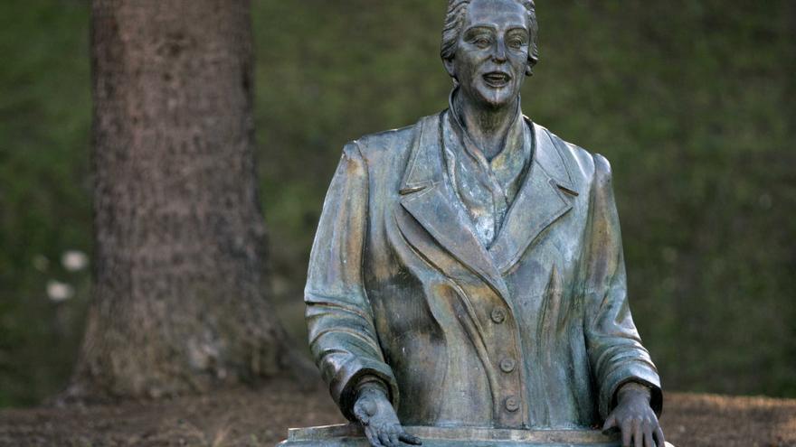 Una de las pocas mujeres reconocidas en Euskadi con una estatuta es Dolores Ibarruri, La Pasionaria./eldiarionorte.es