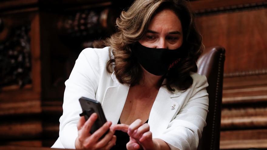 La patronal catalana ve populista el llamamiento de Colau a boicotear a Amazon