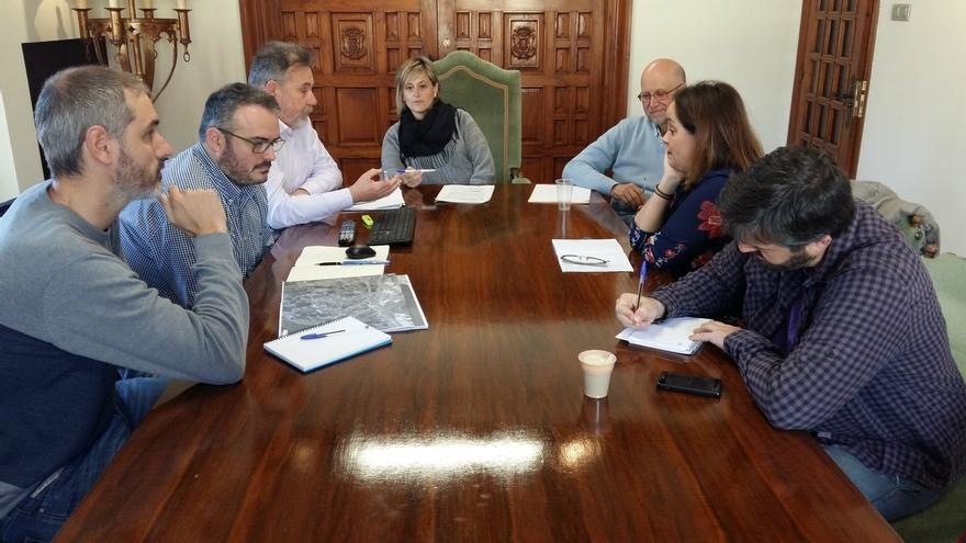 El equipo de Gobierno informa a la oposición de la elaboración del PGOU