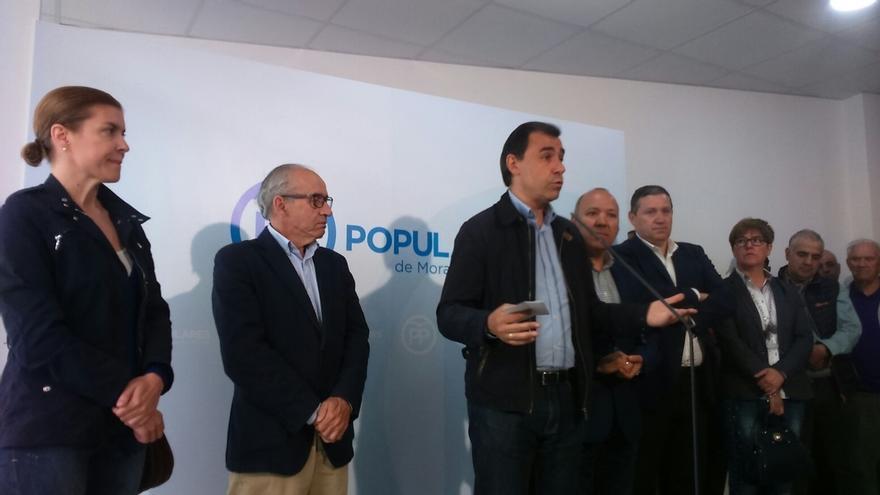 """El PP pide a las demás formaciones que garanticen """"por escrito"""" que dejarán gobernar al partido más votado"""