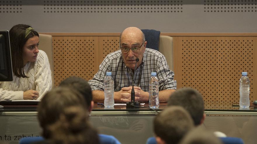 López de Abetxuko pide excarcelar a los presos de ETA enfermos entre críticas de víctimas y partidos a su charla