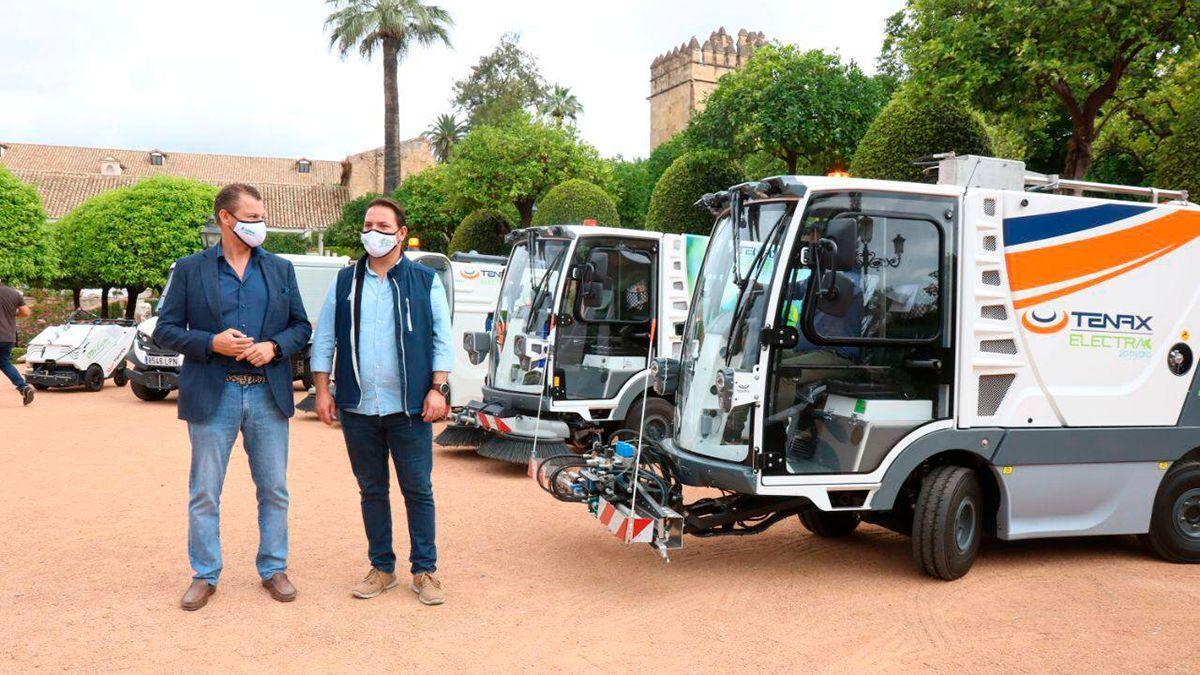 Presentación de los nuevos vehículos de limpieza de Sadeco.