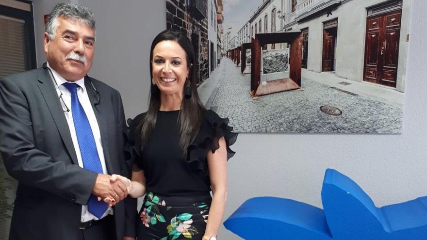 Miguel Martín Pérez, presidente de Aspa, y Laura García Yanes, directora de Área de Negocio de CaixaBank en La Palma.