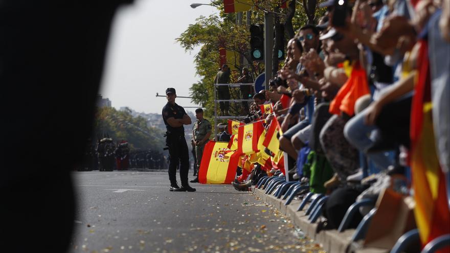 Asistentes al desfile del 12 de octubre en Madrid
