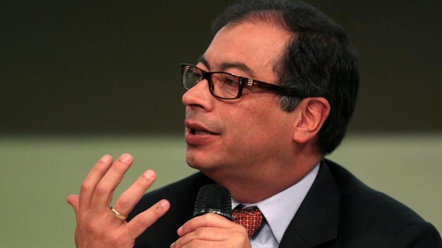 Un tribunal colombiano suspende la destitución del alcalde de Bogotá