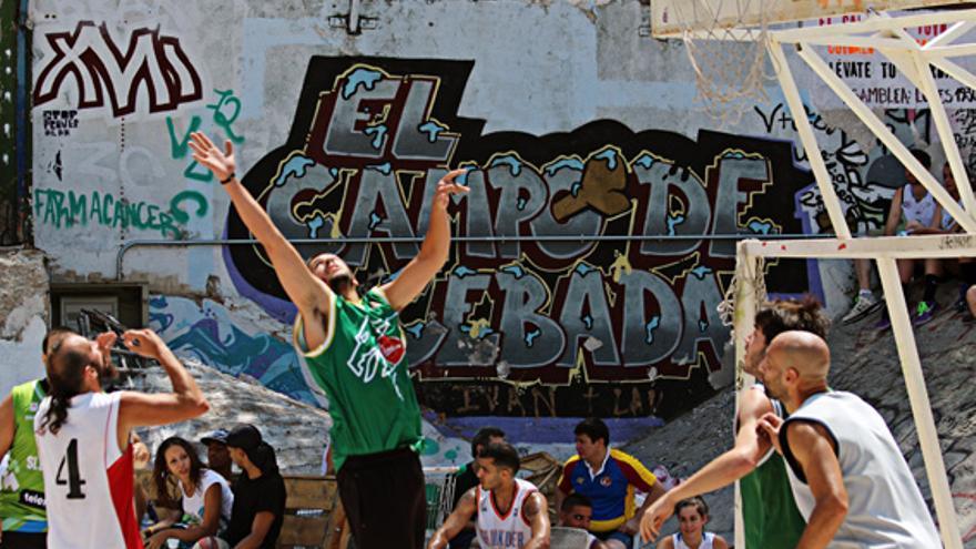 Foto del campeonato de baloncesto que se jugó durante nuestras jornadas de ocio del pasado julio