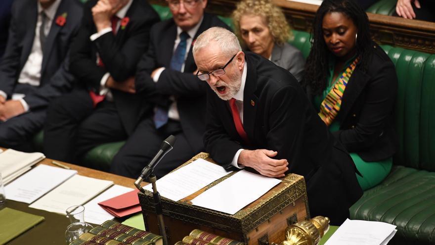 Jeremy Corbyn durante el debate en la Cámara de los Comunes en Londres el 28 de octubre de 2019.