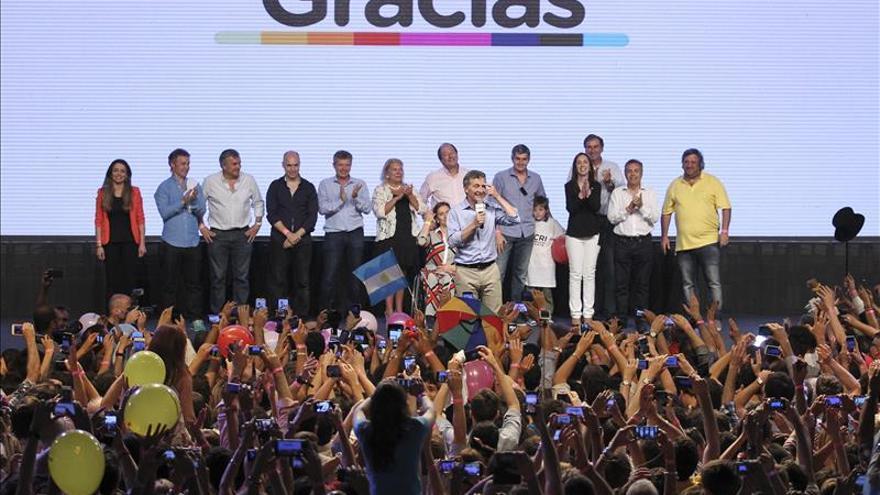 La Presidenta argentina felicita a Macri y lo convoca a una reunión para el martes