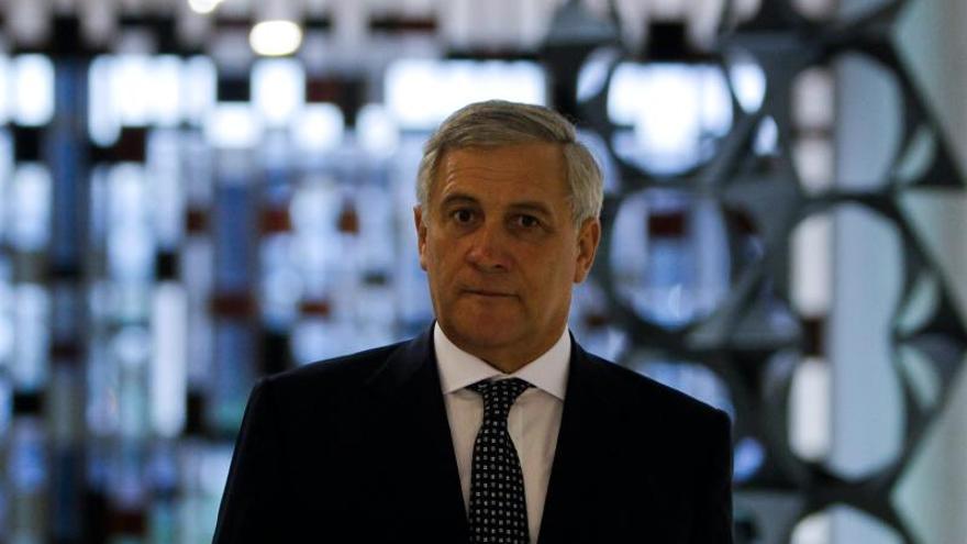 """Tajani pide """"especial esfuerzo"""" para resolver conflicto del Canal de Panamá"""