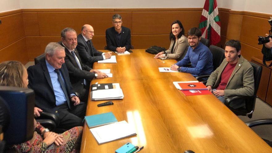 Reunión entre el Gobierno y la delegación de Elkarrekin Podemos