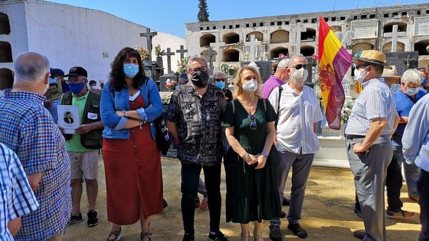 """Adelante advierte de que la fosa común de Pico Reja podría albergar """"más del doble"""" de víctimas de lo estimado"""