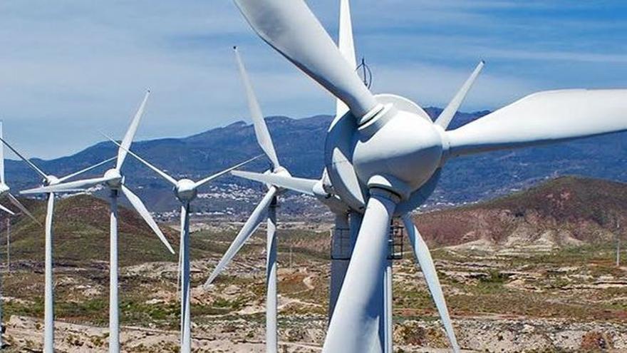 Aerogeneradores, en la localidad de Arico, sur de Tenerife