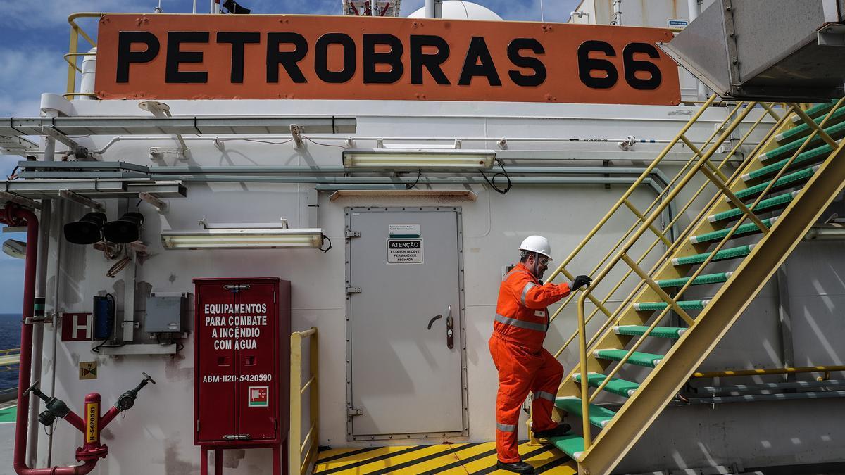 Estación de Petrobras en Brasil. EFE/Antonio Lacerda/Archivo