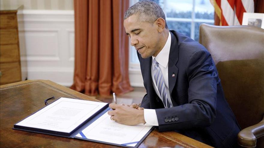 Obama firma ley de fondos de seguridad nacional que deja intacta la inmigración