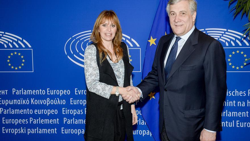 Antonio Tajani y Alessandra Mussolini, en el Parlamento Europeo en 2017.