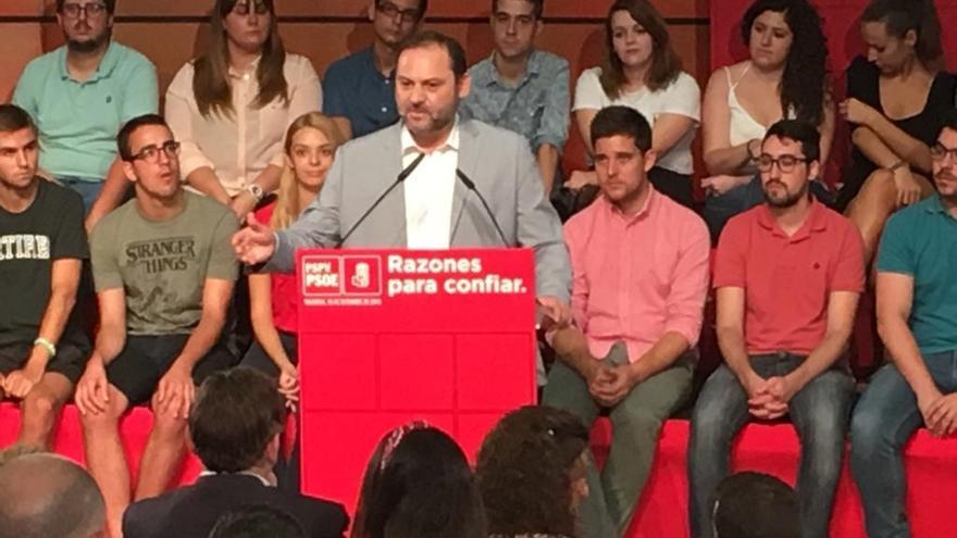 """Ábalos sobre las críticas a la exhumación de Franco: """"Hablan de los golpistas de Cataluña y al mayor lo dejan enterrado"""""""