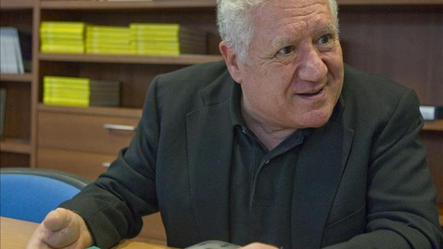 """Luis Bassat se inspira en su nieto para escribir """"El Libro Rojo de la Vida"""""""
