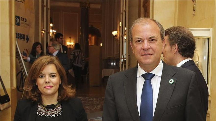 Sáenz de Santamaría pide que Ciudadanos explique su acercamiento al PSOE andaluz