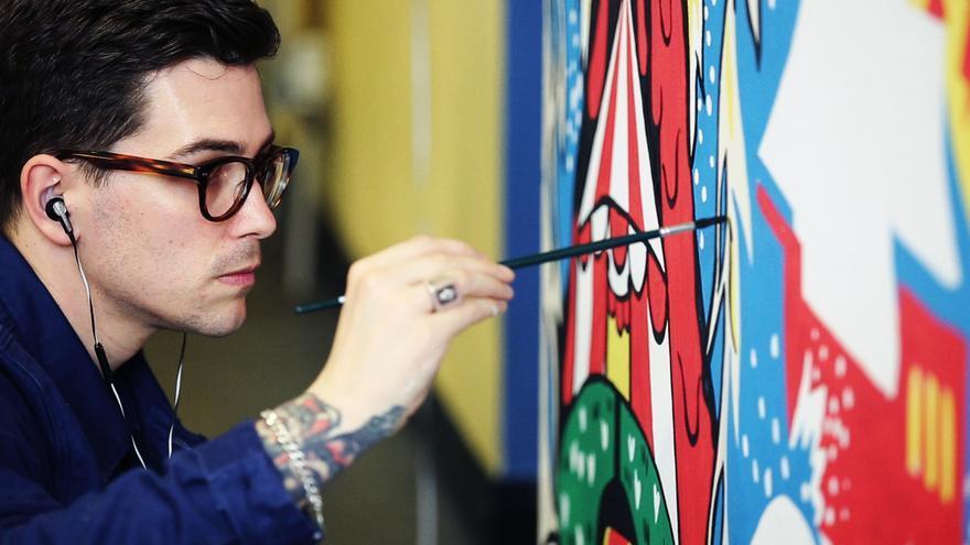 El artista Ricardo Cavolo.