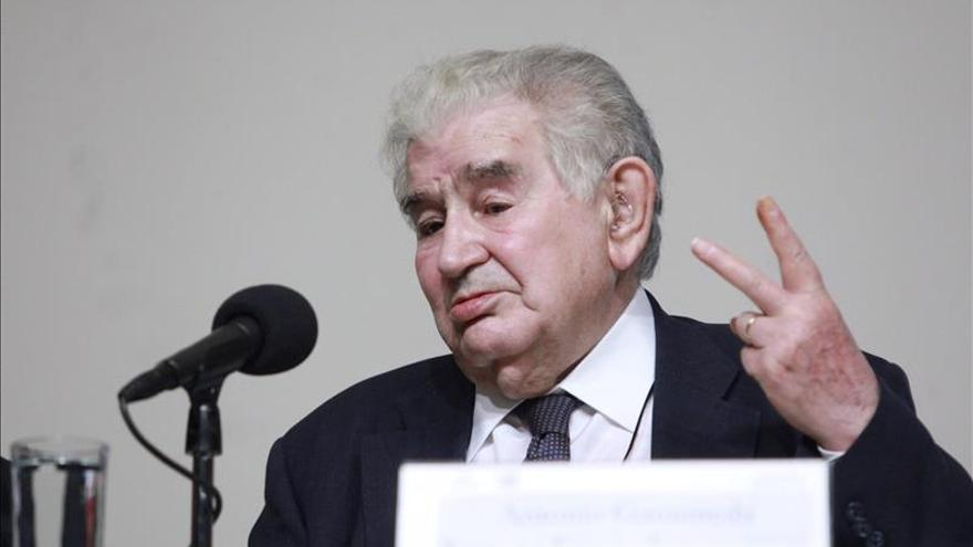 """Antonio Gamoneda reivindica la """"descongelación"""" de la tonada asturiana"""