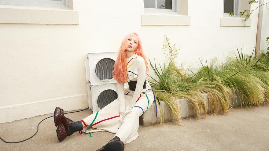 La rapera Hyuna, embajadora de Loewe