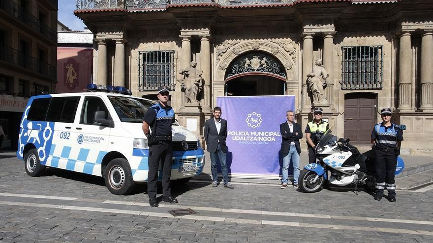 La Policía Municipal de Pamplona estrena nueva imagen pasando al color azul