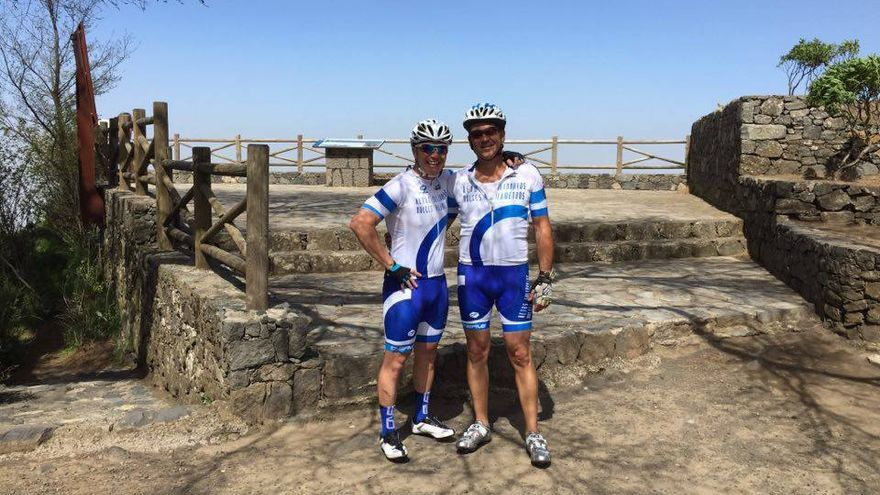 El ciclista Pedro González 'vende' kilómetros para concienciar sobre la diabetes infantil.